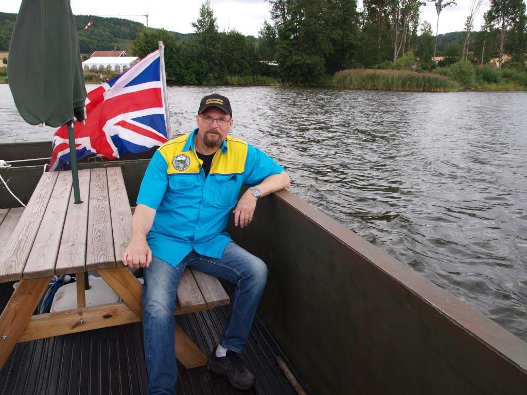 Vår ordförande Åke Larsson fick sig en åktur på vattnet i en ALVIS.